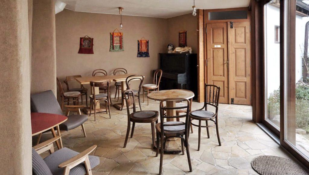 Zadní prostor kavárny Živa