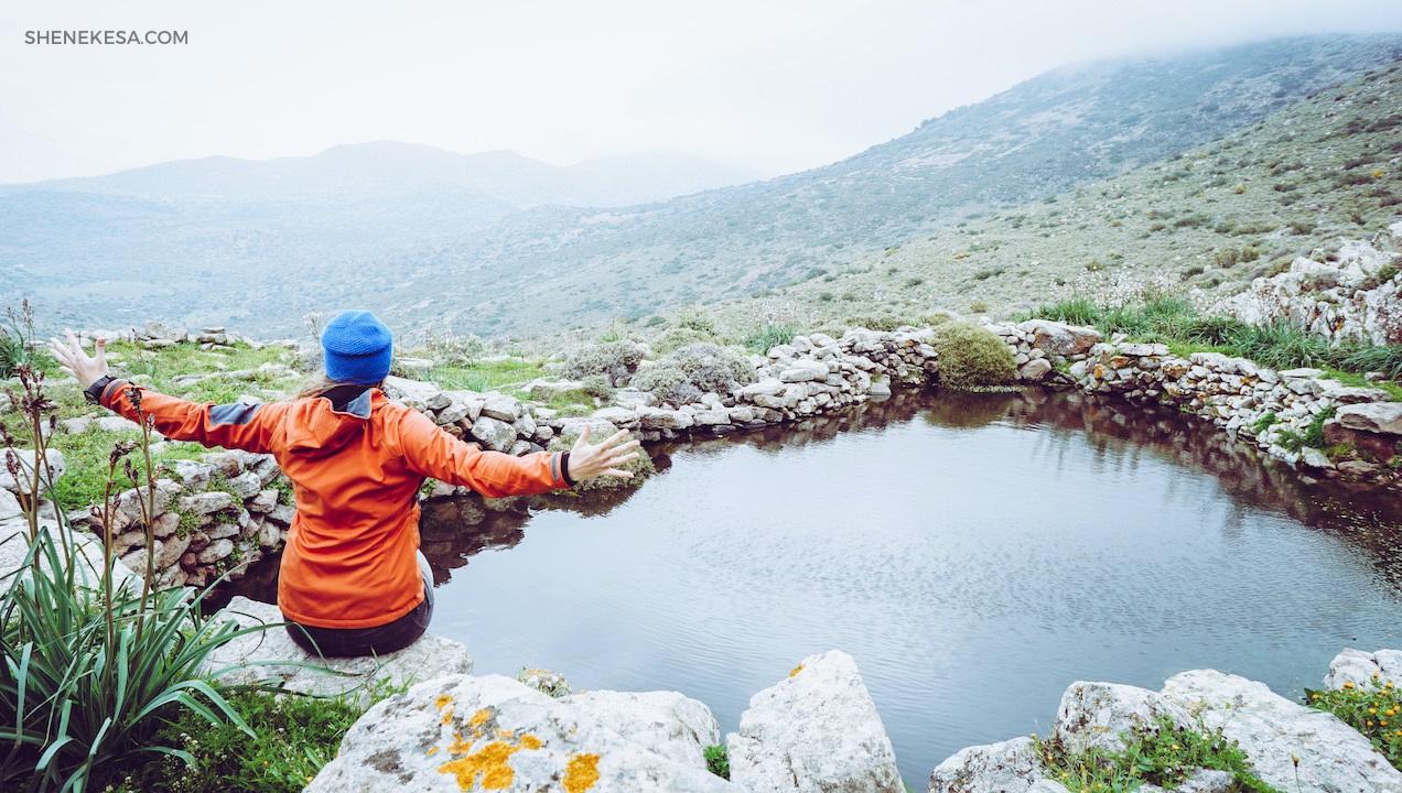 Aegina-studna v kopci