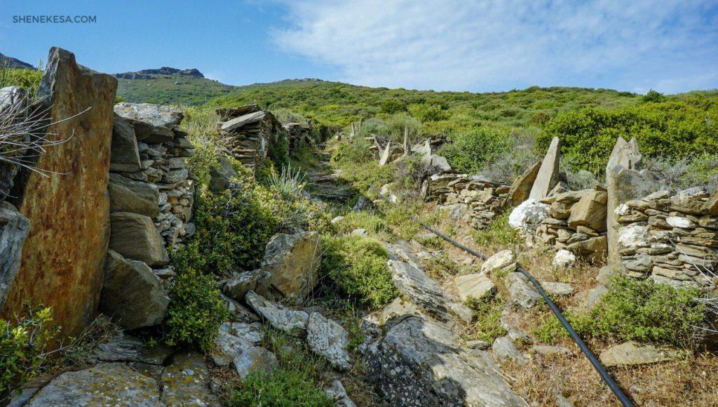 Trail, ostrov Andros