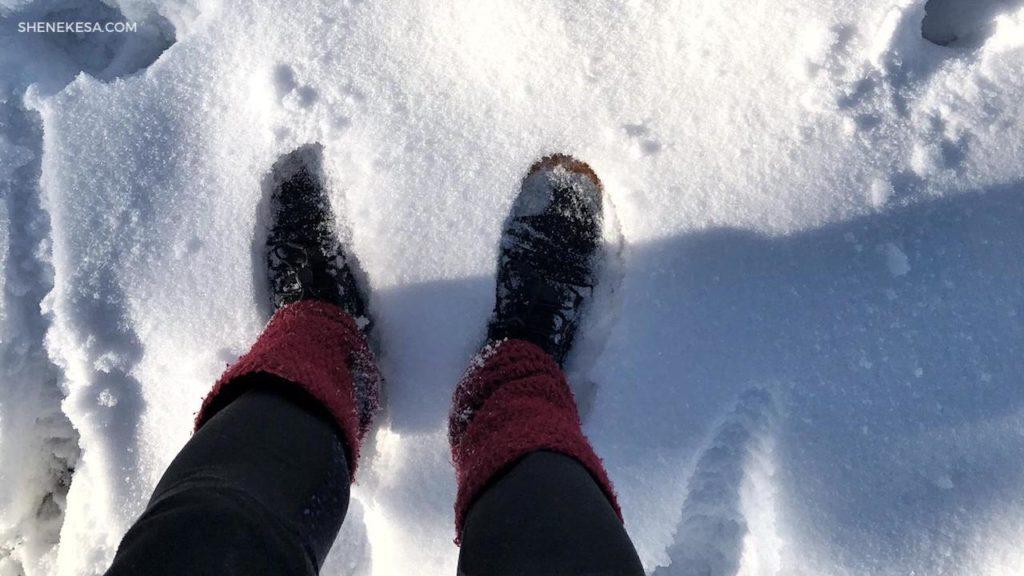 Vivobarefoot swimrun ve sněhu