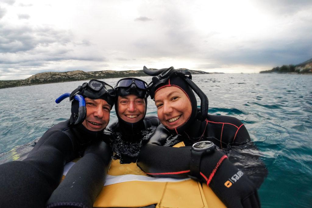 Freediveři na bójce
